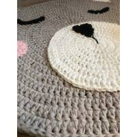Maci horgolt szőnyeg